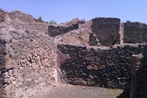 Pomp- building 1