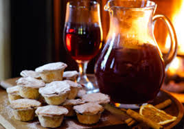 mulled wine and mince pie